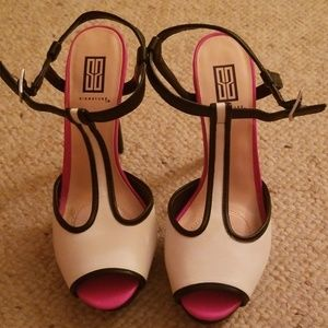 Women's high heel shoes NWOT